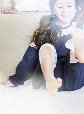 "<font color=#4bb999>* 2017年JKIDS S / S *</font> <br>苏菲睡衣SET <br> <font color=""#9f9f9f"">♡♡浪漫的蕾丝<br>肿胀褶饰衣袖!</font>"