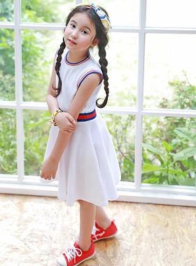 "Poval线连衣裙<br> <font color=""#9f9f9f"">♡我很甜蜜<br>可爱的耀斑线!</font>"