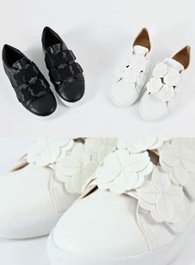 花瓣魔术贴鞋