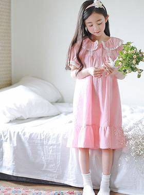 """美丽的女孩睡衣连衣裙<br> <font color=""""#9f9f9f"""">*一个美丽的妹妹与蜂蜜睡觉* <br>浪漫华丽的睡衣连衣裙</font>"""