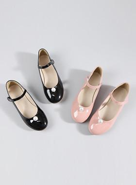 珍珠球平底鞋