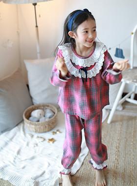 丝带比赛睡衣设置
