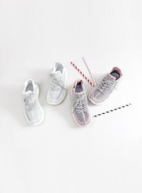 拱形运动鞋