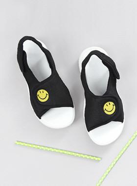 武装微笑凉鞋