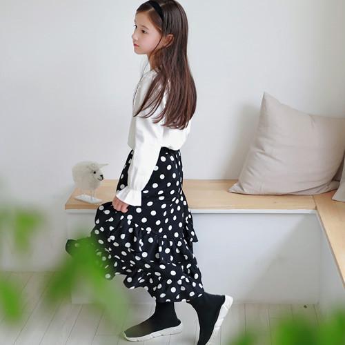 地板褶边做长裙